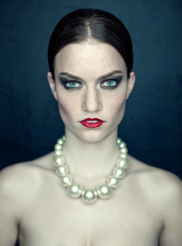 Ida in pearls